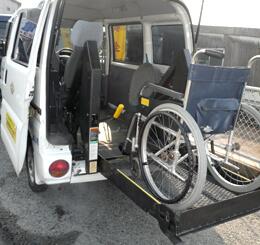 介護タクシー 車両内